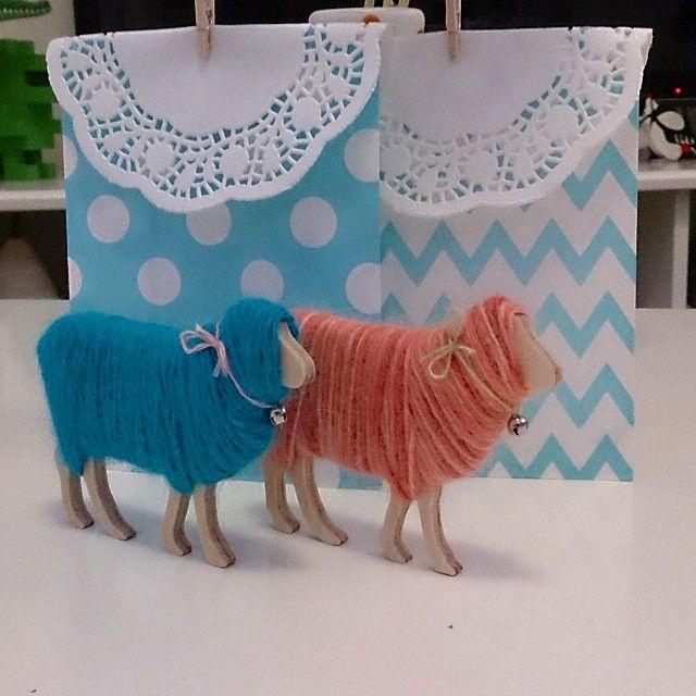 Handmade yarn sheeps