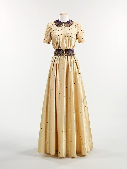 Evening dress, fall 1939, Elsa Schiaparelli. Brooklyn Museum Costume Collection at The Metropolitan Museum of Art