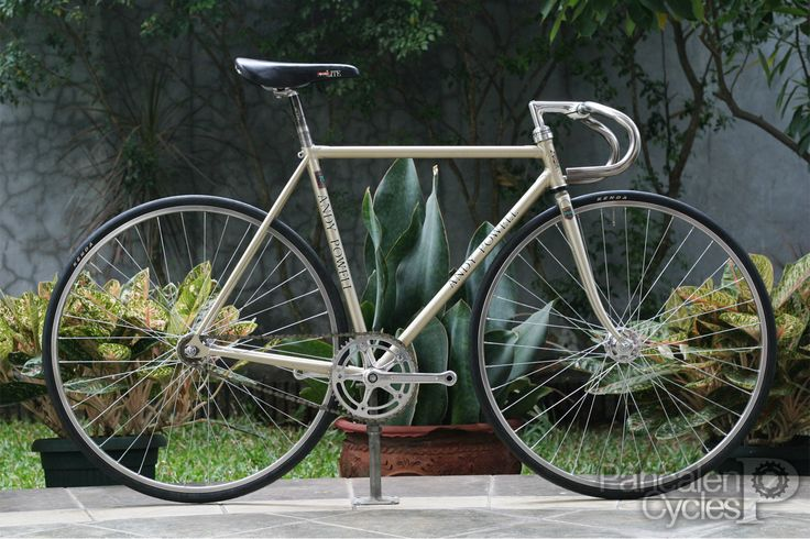 Pancalen Cycles: Cicli Boom x Pancalen Cycles: Andy Powell Reynolds 753 Custom Track Bike