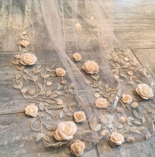 Cabin & Cottage - lacarolita:   Claire Pettibone bridal veil
