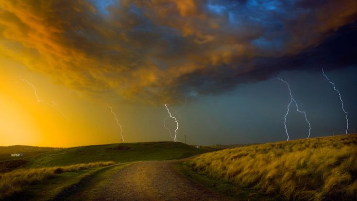 Thunderstorm near Coffee Bay on the Wild Coast region of South Africa - Jon Hicks/Corbis