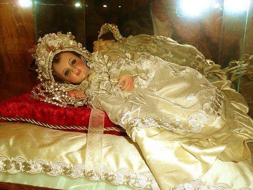 très sainte Vierge enfant protégez-nous  SANTISIMA VIRGEN NIÑA, SE MI AMPARO Y DEFENSA!
