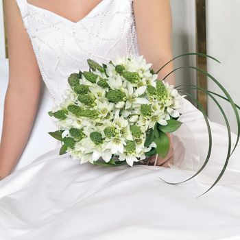 best flowers for a beach wedding | Wedding Flowers In a Box - A New Solution for Budget Brides