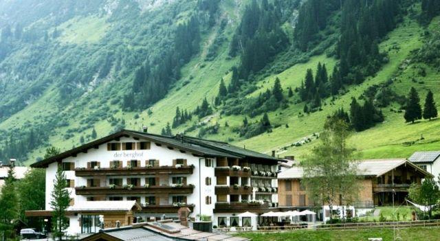 Hotel Berghof - 4 Star #Hotel - $224 - #Hotels #Austria #LechamArlberg http://www.justigo.tv/hotels/austria/lech-am-arlberg/der-berghof-lech_48344.html
