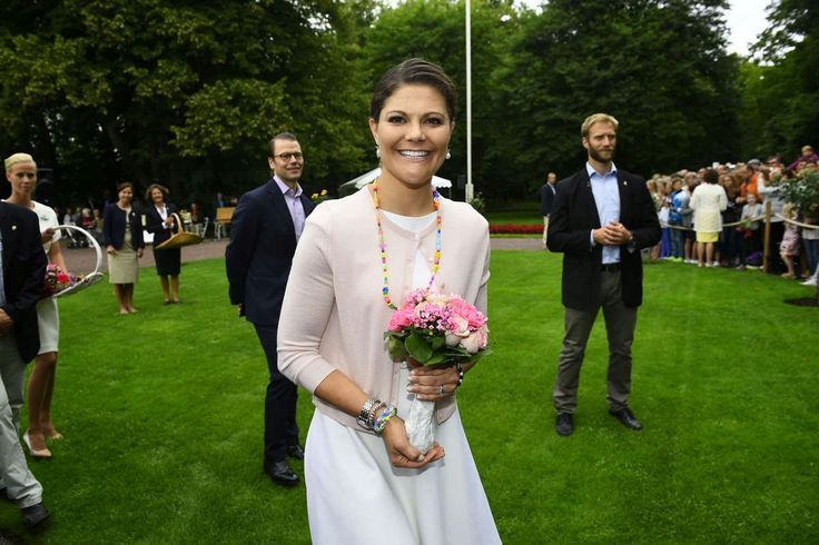 MYROYALSHOLLYWOOD FASHİON:  Crown Princess Victoria celebrates her 37th birthday, Solliden Palace, July 14, 2014-the birthday girl