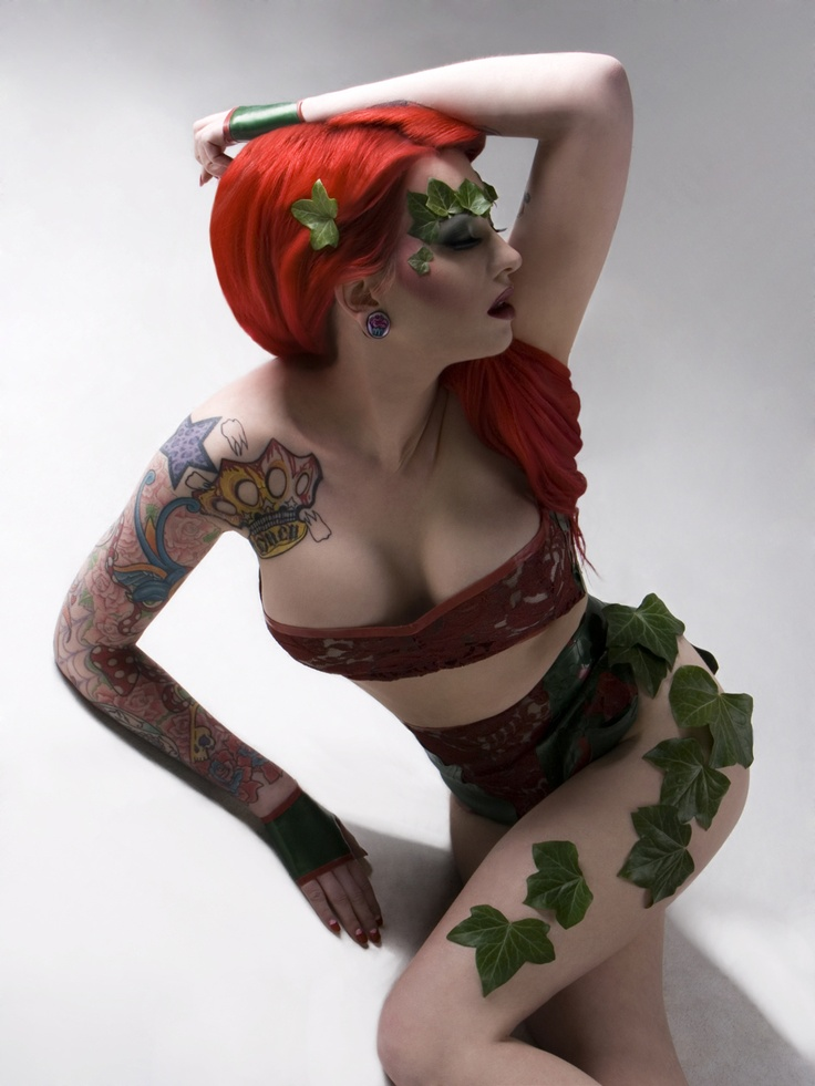 Poison Ivy preview  Wearing Tempesta Couture Latex  Shot by Vix Tuff Pix
