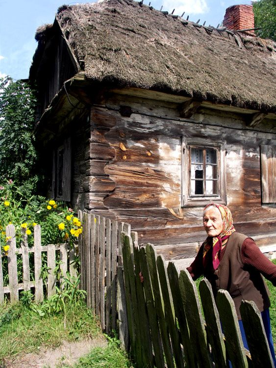 A rural house in Poland.  Just imagine what this house has seen.  If it could talk we would be overwhelmed at all it would tell us!