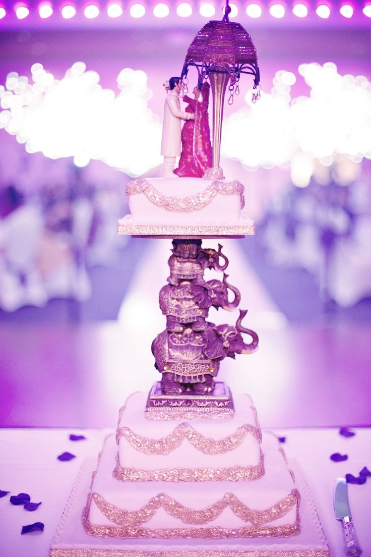 Creative Indian Wedding Cake!