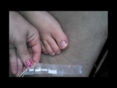 Do it Yourself French Tip Pedicure with Jamberry! http://www.ryoujammin.jamberrynails.net/category/french-tips