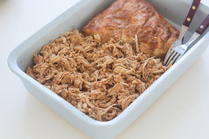 Prøv at stege et kalkunbryst i 3 timer ved lav varme og lav en lækker pulled turkey. Det smager så godt!