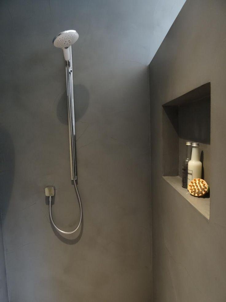 25 beste idee n over beton badkamer op pinterest betonnen douche kranen en koperen badkamer - Facing muur voor badkamer ...