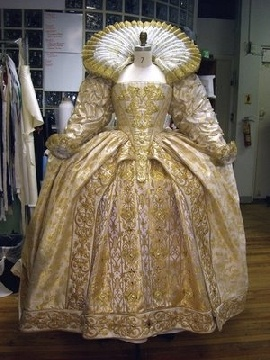 Queen Elizabeth's wedding dress 1800's