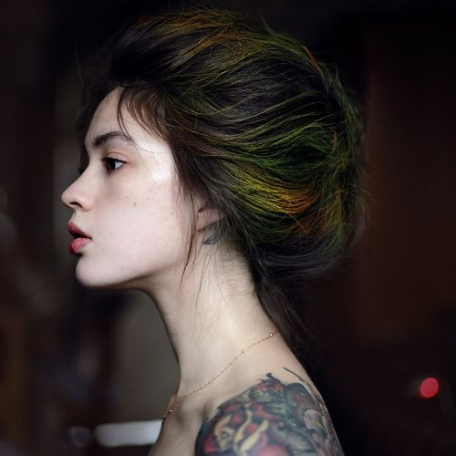 Lovely hair, with the colors of a peacock feather