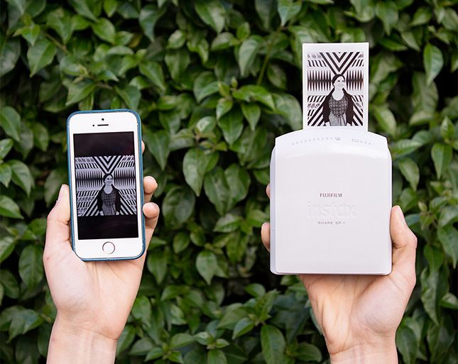 Wirelessly print images straight from your smartphone with the Instax Share printer.