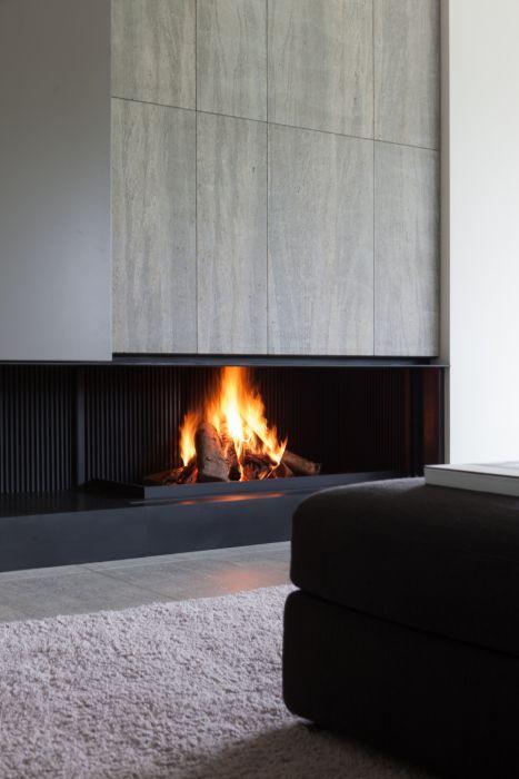 Minimal fireplace design by Metalfire