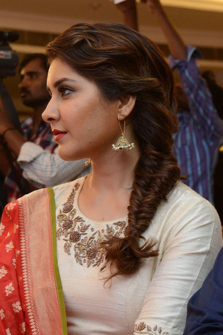 Rashi Khanna at Santhosam Awards - Raashi Khanna