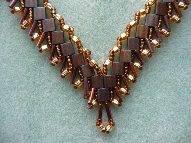 Twin beads necklace design
