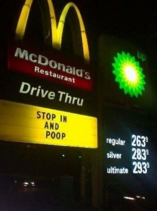 lol...: Mcdonald'S Signs, Funny Signs, Hilarious Photo, Gas Price, Mcdonald'S Funny, Funny Stuff, Roads Trips, Fast Food, Funnie