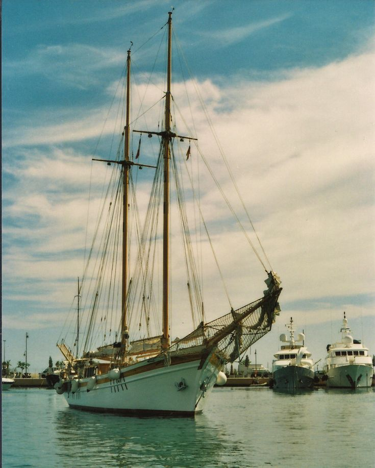 https://flic.kr/p/tfNUdK | ship in marina Areoporto (Genova)