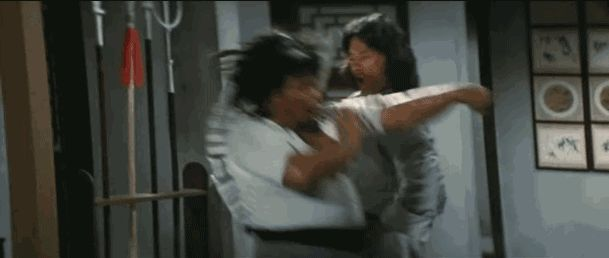Jackie Chan (age 25) showing off insane fan-fighting skills in 'The Young Master'