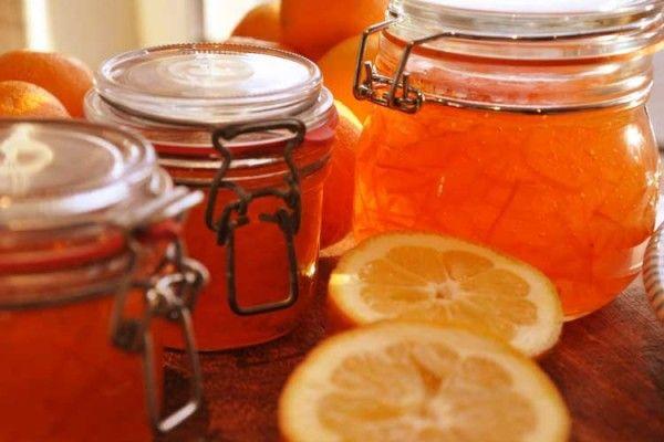 Buona da mangiare e bella da vedere: la ricetta della marmellata di arance biologiche di Sicilia. La ricetta è di Vie Del Gusto, le arance di Squicity!