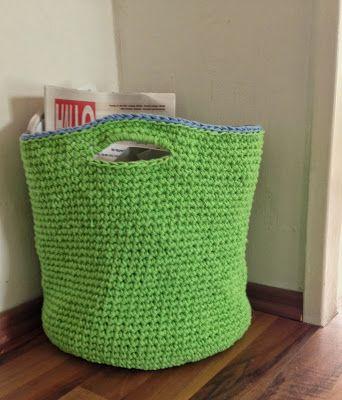 Neues aus dem Strickzimmer: Grün für den Altpapierkorb