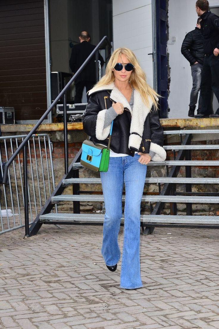 Joanna wearing La Mania's cool NATALI jeans!