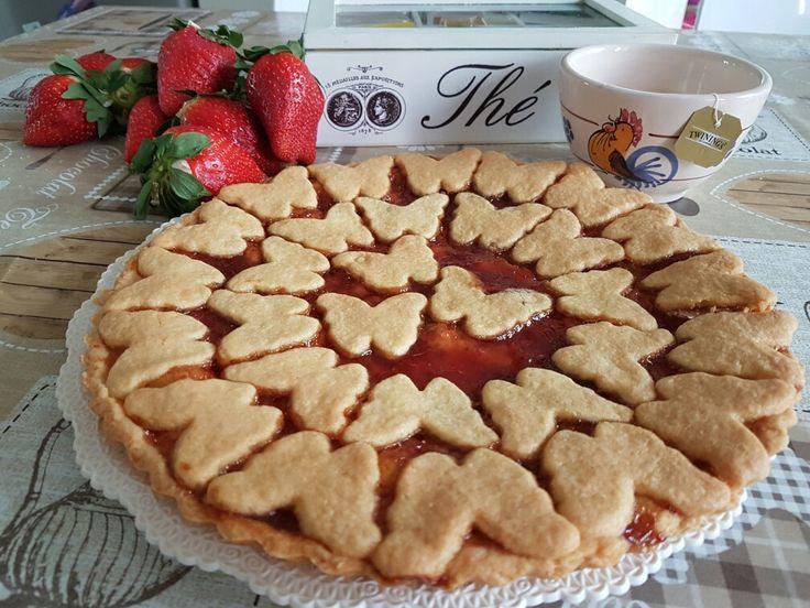 Crostata morbida  by cuorinpasta, poco burro  Ingredienti   250gr farina  125 zucchero a velo  1 uovo  1 tuorlo  90gr burro  1 cucchiaino di lievito istantaneo per dolci  Aroma