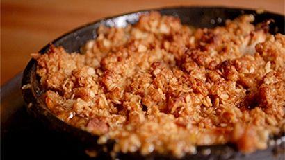 Croustade de pommes à l'érable du Québec - Recettes de cuisine, trucs et conseils - Canal Vie