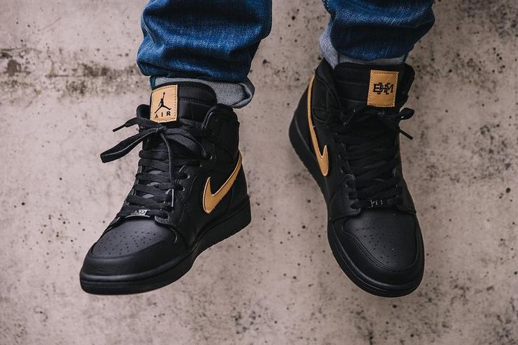 Air Jordan 1 Retro High 'BHM' Patch Black Metallic Gold 2017