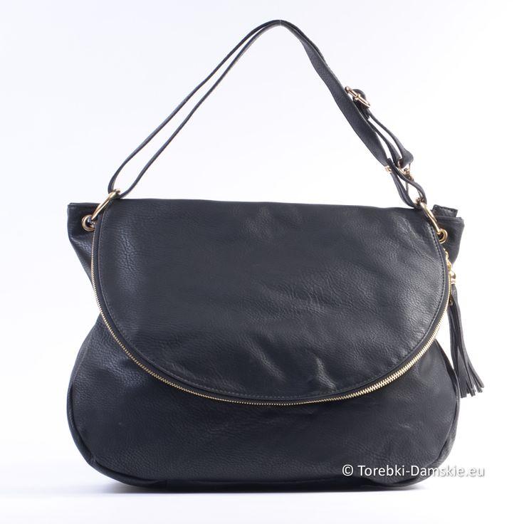 Czarna torba z klapą mieszcząca format A4. #torebki #handbag #handbags