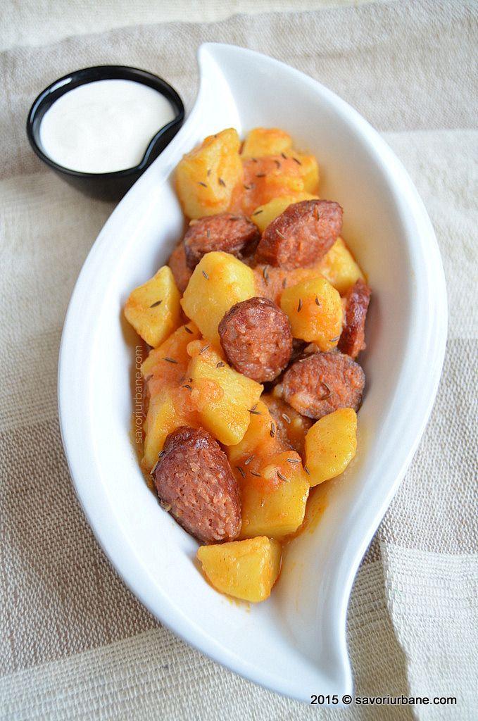 Tocanita de cartofi cu carnati Savori Urbane (5)