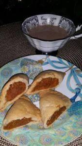 Empanadas de camote listas para merendar  Ingredientes para la conserva: 1kg de camote cocido en micro y sin cascara 1 taza de azúcar morena 1cda de anís 2cdas de canela molida 1/2 bar…