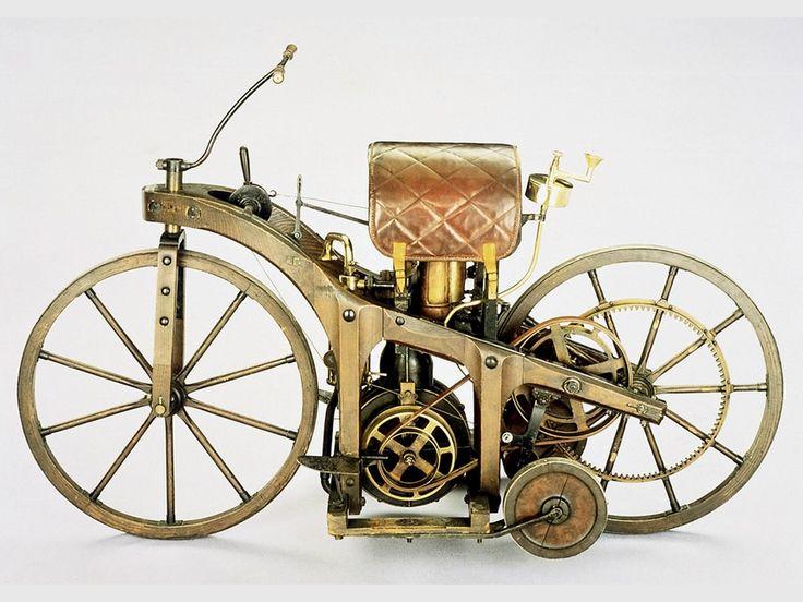 World's First Motorcycle: 1885 Daimler riding car