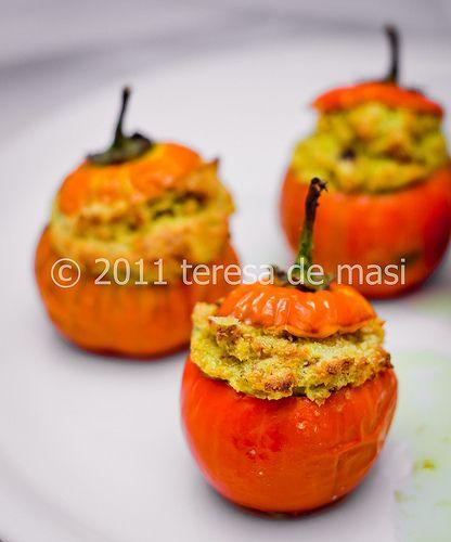 Anche le melanzane rosse, ripiene, hanno il loro perché. Soprattutto se riempite di podolico e pane di matera.