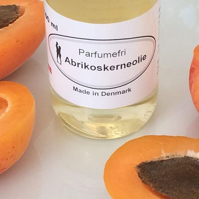 Visit us in #torvehallerne and try our 100% Apricotseed oil - it keeps the skin hydrated and young, with plenty of…