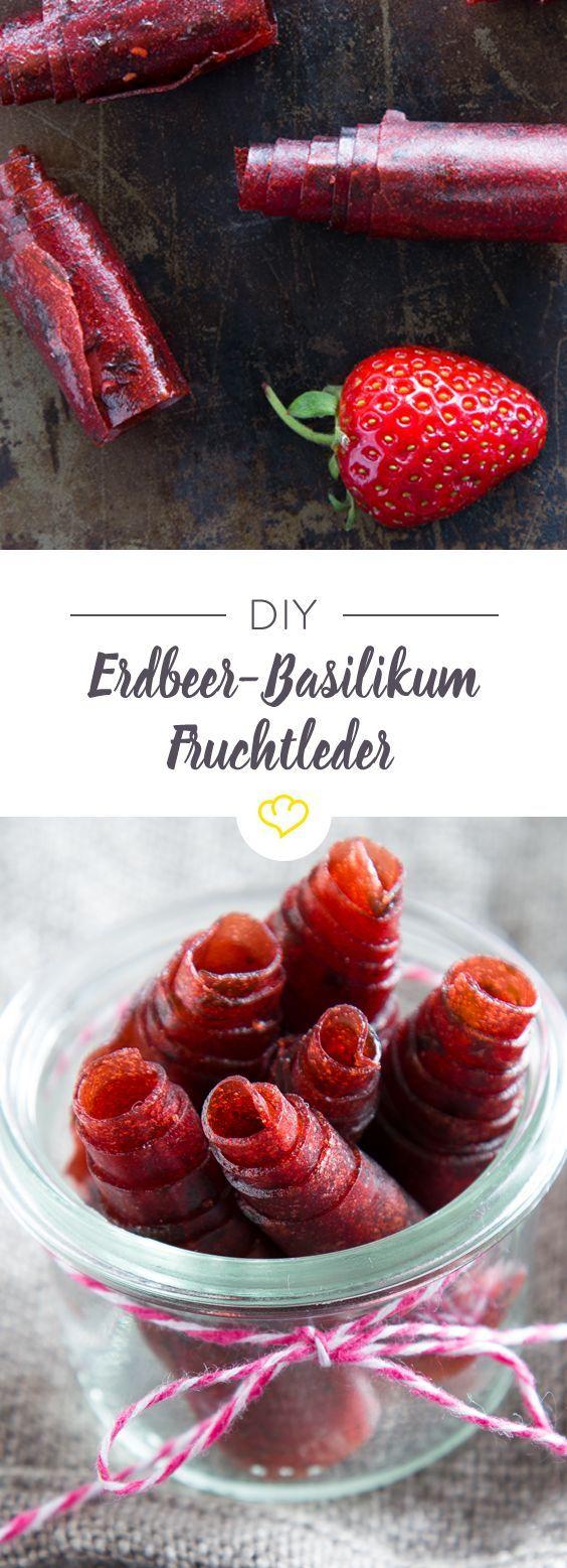 Leckerer geht gesund nicht! Fruchtleder aus getrockneten Erdbeeren, verfeinert mit Basilikum.