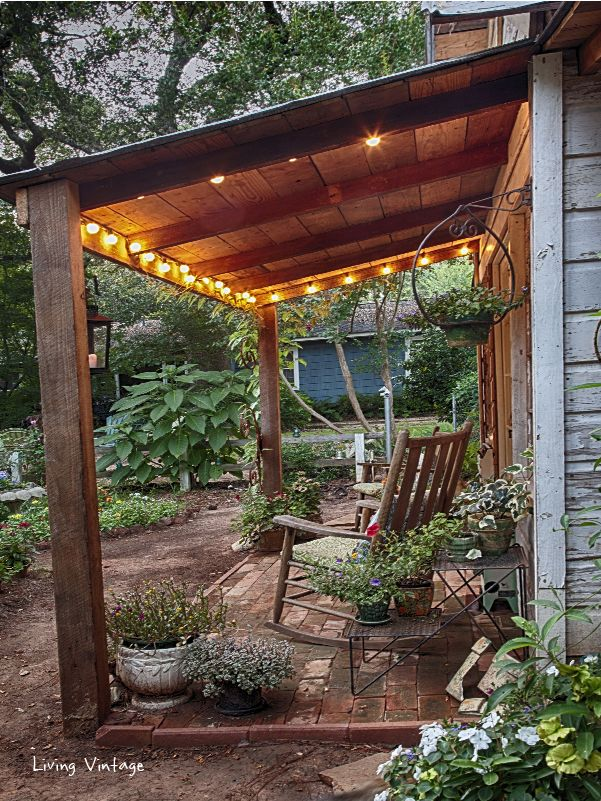Jenny's adorable shed with its CUTE front porch | Living Vintage #shedplans