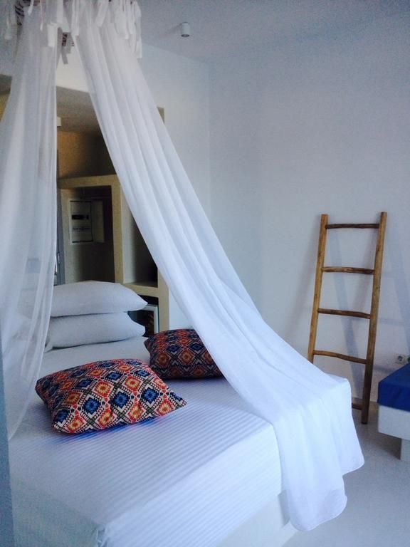 Sunrise Hotel and Suites    Enjoy every moment of your beach front location, looking out over the Aegean Sea.
