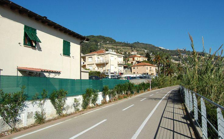 Santo Stefano al Mare (IM), zona Aregai, Pista Ciclo-Pedonale del Parco Costiero Riviera dei Fiori (società Area24)
