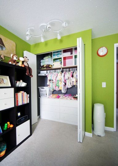 52 Brilliant and Smart Kids Rooms Storage Ideas (1)