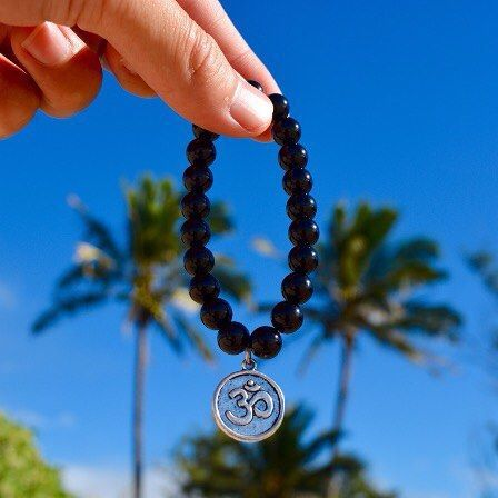 You can't win in life if you're loosing in your mind.  Change your thoughts and it will change your life! - Tony Gaskin  Mind Shift Bracelet #mala Photo by @ge_keoni