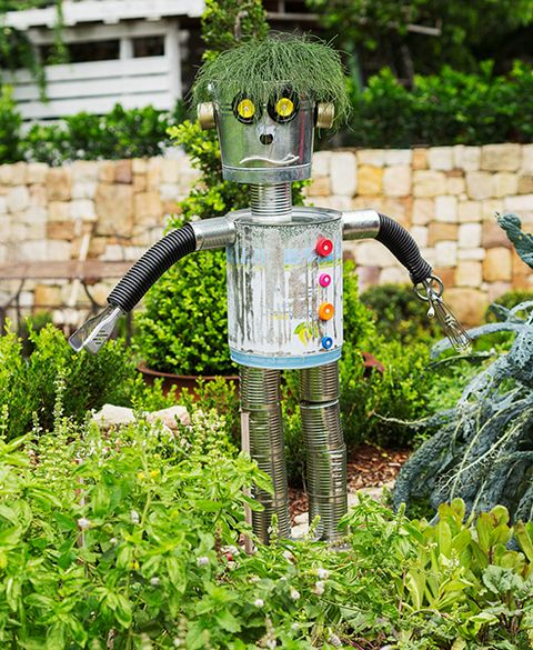 Superb How To Make A Scarecrow (scare Bot Style): Thereu0027s No Place Like A  Homegrown Veggie Garden, So Protect It From Unwelcome Feathered Visitors  With This Super ...