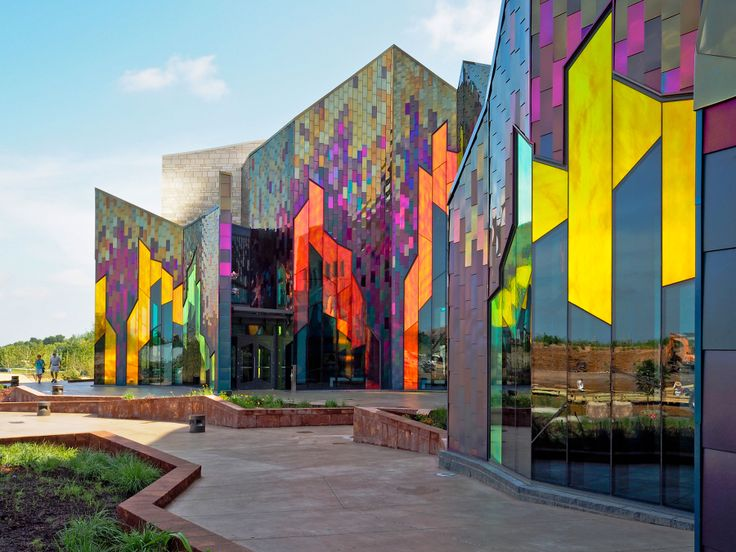 Vernerjohnson Sets Museum Ablaze With Dichroic Glass