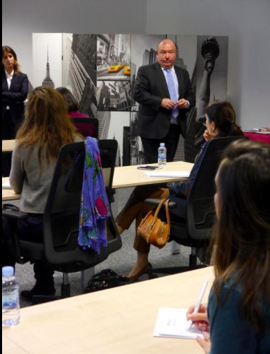 Nuestro Socio Javier Puyol acompañó a Esmeralda Saracibar en el eBrunch del 27 de noviembre. ¡Un ponente de lujo!