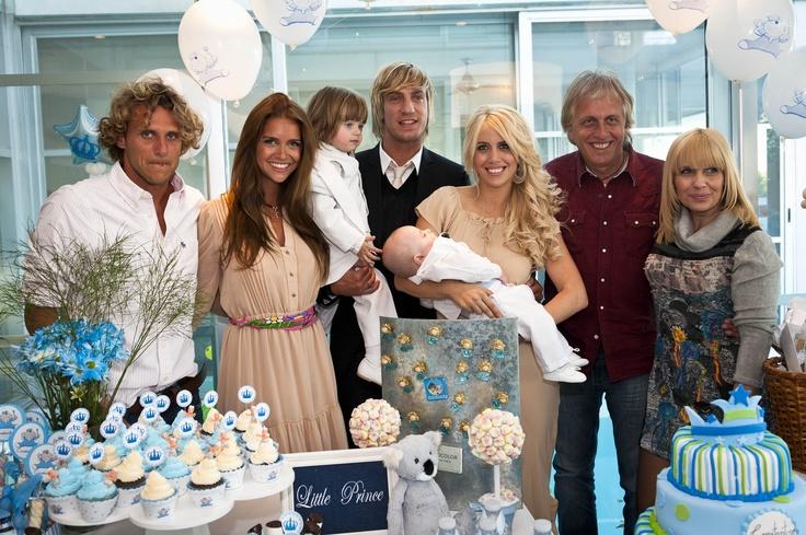Bautismo  y cumpleaños en la casa de la modelo Wanda Nara http://antonelladipietro.com.ar/blog/2011/06/bautismo-lopeznara/