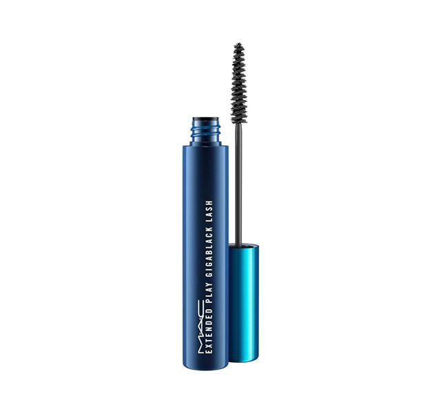 Free shipping and returns. Extended Play Gigablack Lash. A waterproof carbon black formula that creates defined lashes for up to 16 hours.