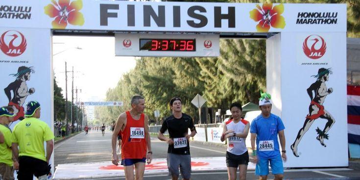 """快晴、高湿・高温の中での「ホノルルマラソン2015」""""Honolulu Marathon 2015 was hot and humid"""" #Hawaii #ハワイ Honolulu Marathon ホノルルマラソン日本事務局 http://www.poohkohawaii.com/event/hnlmarathon2015.html"""