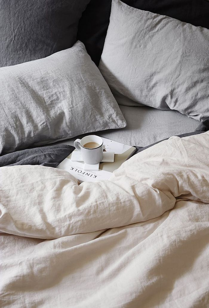 bedroom styling.. bed chambre cocoon cocooning café coffee