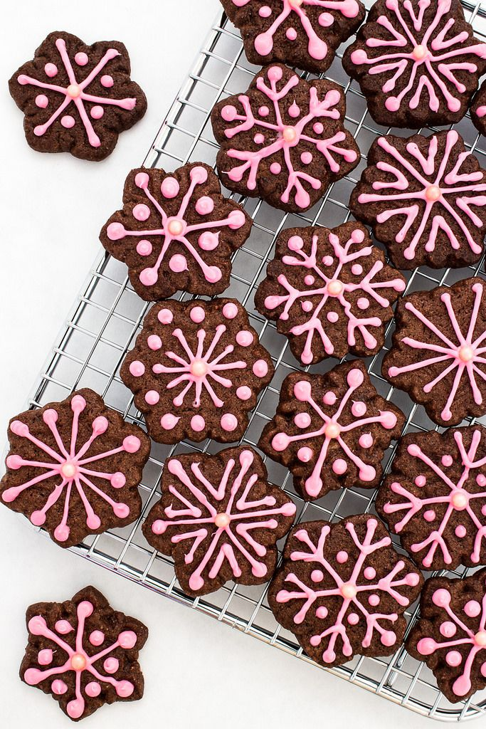 Pink Peppermint Chocolate Snowflake Cookie recipe inspired by the #fbcookieswap and #prayersforkaelyn: